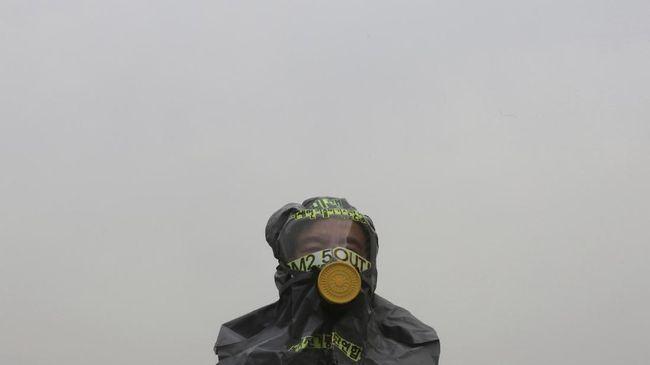 Polusi udara ditemukan memperpendek harapan hidup rata-rata orang Indonesia hingga dua tahun. Kenali sejumlah penyakit yang disebabkan oleh polusi udara.