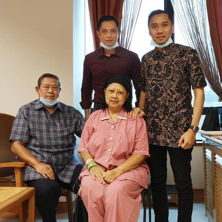 <p>Saat ini, Ani Yudhoyono masih menjalani pengobatan kanker darah di National University Hospital, Singapura. (Foto: Instagram @agusyudhoyono)</p>