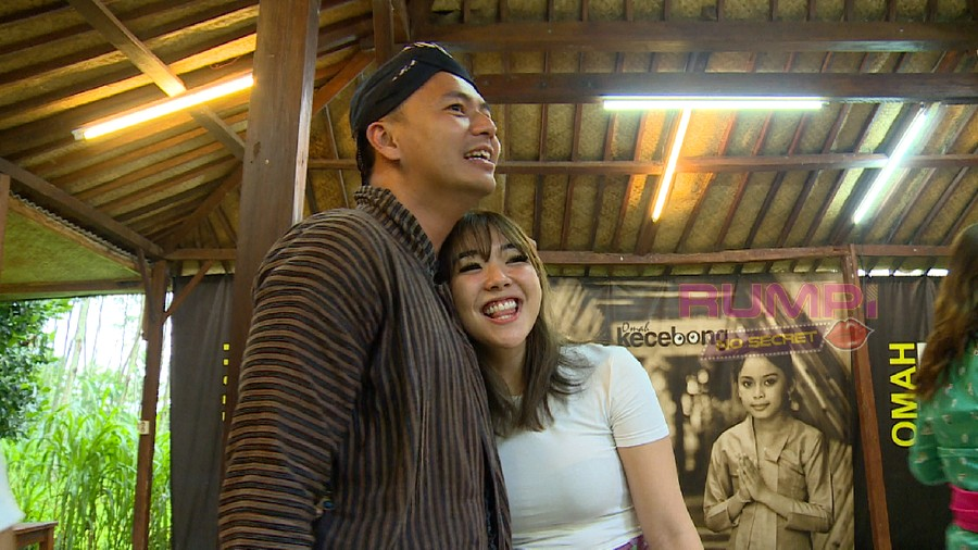 Pamer Foto dengan Wijin, Gisel Tantang Netizen