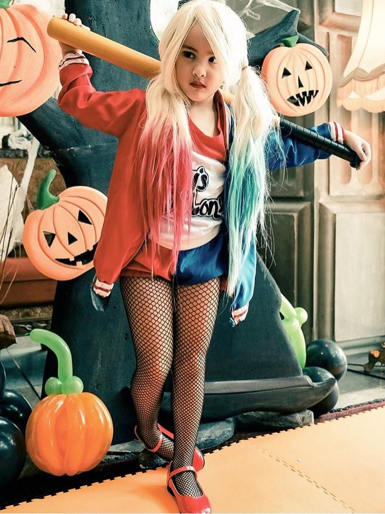 Duhhh siapa sih nggak gemas lihat gaya Mikhayla satu ini? Bocah enam tahun itu bergaya ala tokoh Harley Quinn dari filmSuicide Squad.