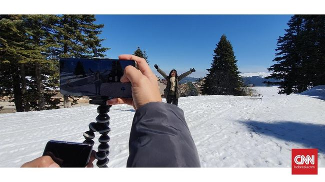 Fotografer Tommy A. Siahaan membagikan tips memaksimalkan hasil foto dengan kamera ponsel.