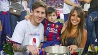 <p>Juara di lapangan, pastinya juara juga di hati istri dan anak-anak ya. Sukses dan harmonis selalu, Messi sekeluarga. (Foto: Instagram @leomessi)</p>