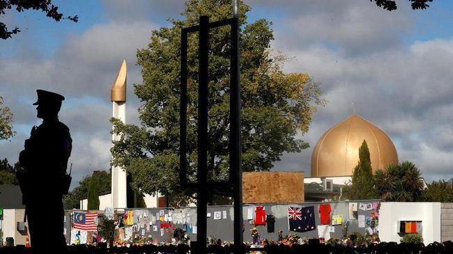Christchurch sejatinya adalah kota yang indah, tenang, serta dihuni oleh penduduk rukun walau berbeda suku, ras, dan agama.