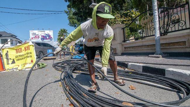 BAKTI Kominfo melakukan proses migrasi Layanan Program Akses Internet dari jaringan VSAT ke Fiber Optik di Provinsi Papua Barat.