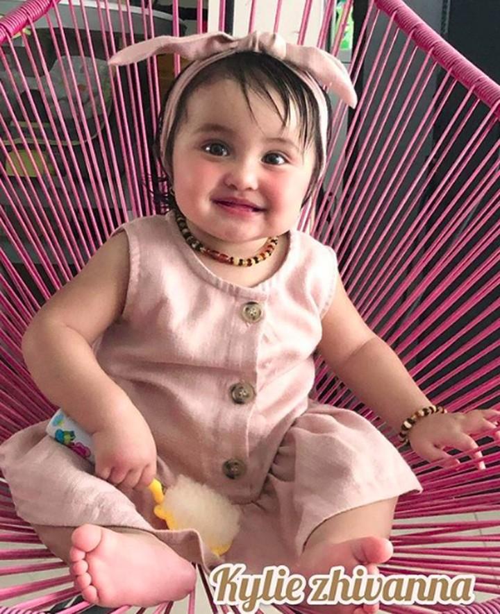 Beranjak besar Kylie Zhivanna makin imut dan menggemaskan, Bun.Yuk, intip foto-foto putri kecil Andi Soraya.