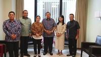 <p>Puan berharap agar Ani Yudhoyono lekas sembuh, dapat kembali berkumpul dengan keluarga di Indonesia dan kembali berkarya untuk bangsa. (Foto: Instagram @grandmasteradianto)</p>