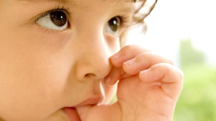 Orang dewasa maupun anak-anak pasti pernah merasa bosan. Kadang, mengisap jempol pun jadi cara ampuh membunuh kebosanan itu.