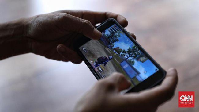 Pengamat menilai pembatasan waktu bermain gim online adalah ranah pribadi, namun sepakat jika umur pemain gim online mesti dibatasi.