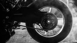 Trik Jitu Hindari Ban Motor Hilang Traksi Berujung Celaka