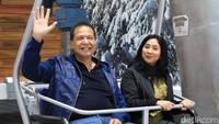 <p>Sang istri, Anita Ratnasari Tanjung juga ikut menemani di acara peresmian Sabtu lalu (23/1/2019).Foto: (Johanes Randy/detikcom)</p>