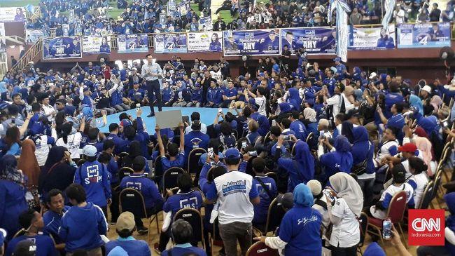 Komandan Kogasma Partai Demokrat AHY menggelar kampanye terbuka pertama di Ciracas, Jakarta, karena dianggap sebagai pusat kegiatan ekonomi dan politik.