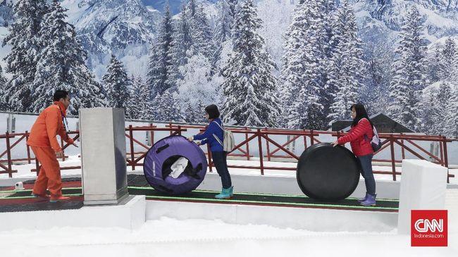 Sudah coba ke Trans Snow World Bekasi, belum? Yuk, ajak teman dan keluarga Snowfriends agar liburan long weekend ini jadi lebih berkesan.