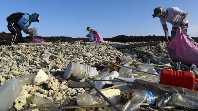 Mikroplastik menjadi isu berbahaya di bidang lingkungan dan kesehatan. Apa bahaya mikroplastik untuk kesehatan?