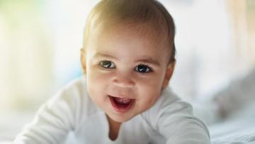 20 Inspirasi Nama Bayi Islami Berarti Terpuji