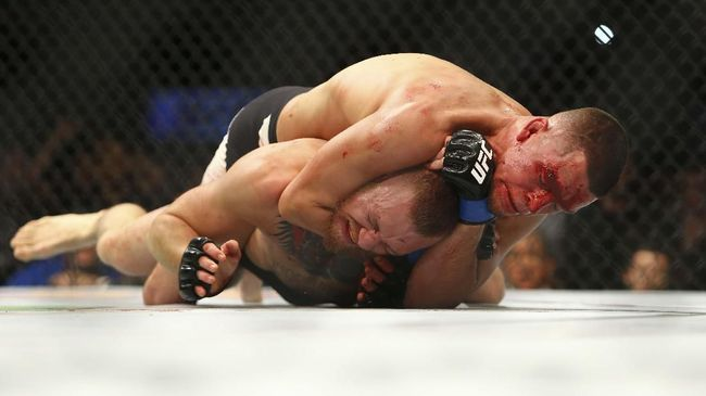 Pertarungan Leon Edwards vs Nate Diaz yang direncanakan sebagai partai tambahan di UFC 262, Minggu (15/5), dipastikan diundur ke UFC 263.
