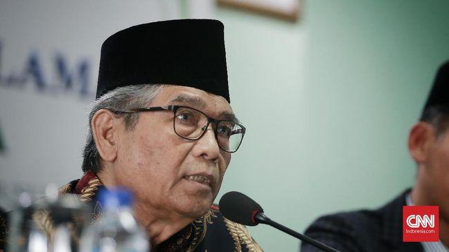 Komisi Fatwa MUI mendesak polisi dan OJK menghentikan dan melarang praktik pinjol, yang dinilai tak sesuai syariat Islam.
