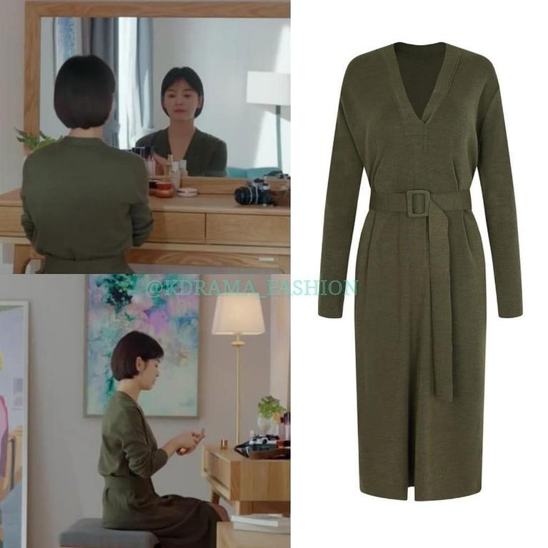 Penampilan Song Hye Kyo dalam episode 11 dalam drama Encouter juga sangat elegan dengan knit one piece dari The Izzat.