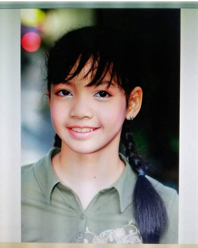 Lisa BLACKPINK kini genap berusia 22 tahun. Meninjak usia baru, mari kita flashback transformasi penampilan Lisa ini pun banyak menarik perhatian penggemarnya.