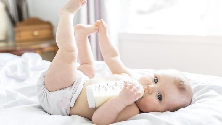 Ilustrasi bayi menyusui