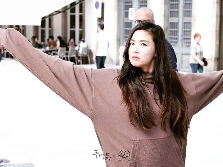 Jun Ji Hyun mendapat bayaran sebagai aktris termahal dengan mendapat Rp1,16 Miliar untuk satu episodenya.