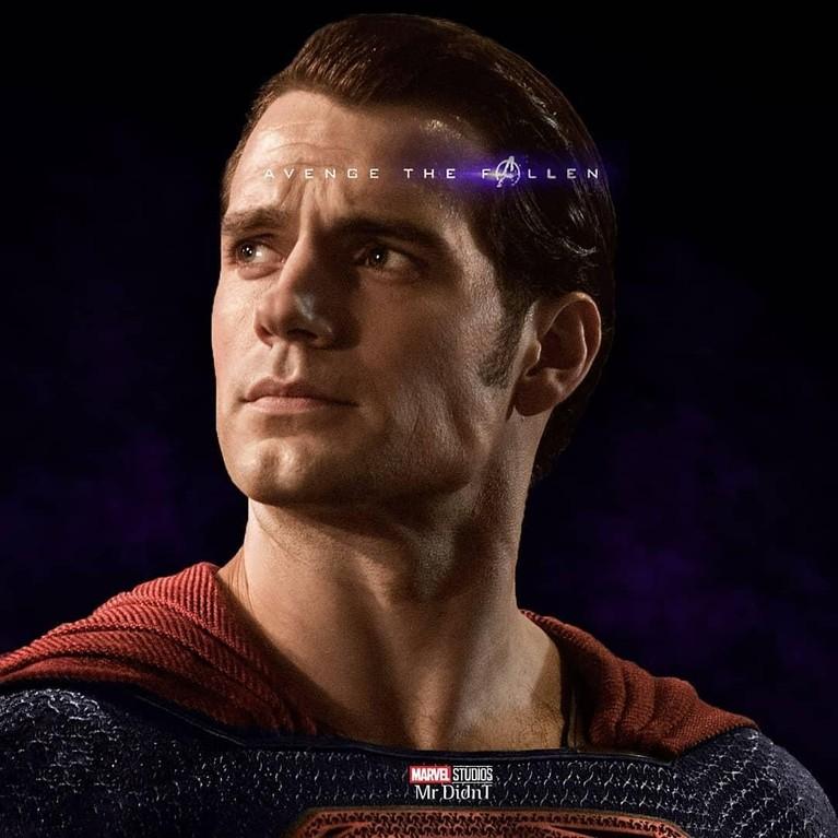 Kalau ini sih namanya hijrah, dari semesta DC ke semesta Mervel, ada-ada aja nih Superman.