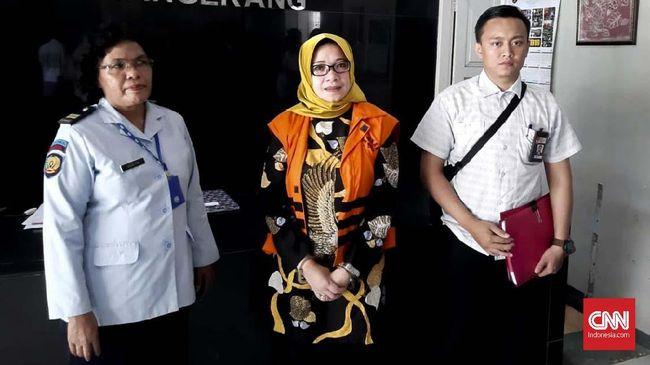 KPK mengeksekusi Eni Saragih ke Lapas Tangerang pada Selasa (26/3). KPK menilai vonis enam tahun untuk Eni atas kasusnya telah proporsional.