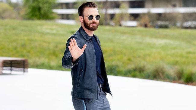 Mark Ruffalo meledek Chris Evans usai pemeran Captain America tersebut tak sengaja menyebarkan foto bugilnya sendiri ke internet pada akhir pekan.