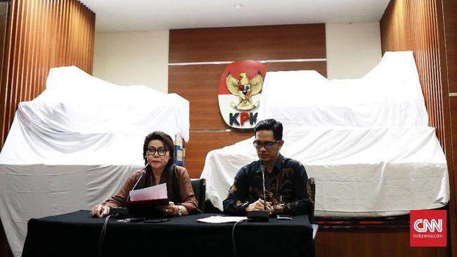 Wakil Ketua KPK mengakui pihaknya menerima laporan dugaan jual beli jabatan rektor perguruan tinggi di bawah Kemenag, namun masih harus didalami lagi.