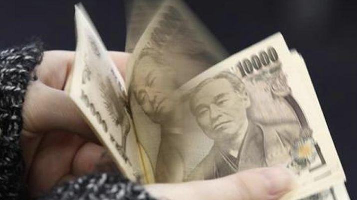 Keok Lawan Dolar AS, Yen Terpuruk di Level Terendah 3 Pekan - Rifan Financindo