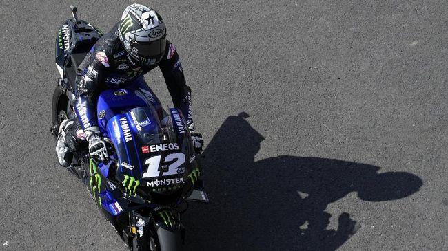 Maverick Vinales tidak mengungkapkan ekspresi kesal setelah ditabrak Franco Morbidelli, yang merupakan murid Valentino Rossi, pada MotoGP Argentina 2019.