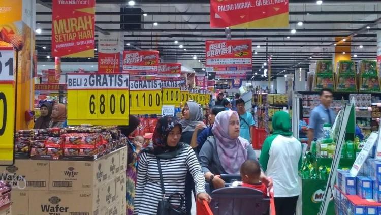 Ada 5.000 ribu produk yang diobral Transmart dan Carrefour melalui program Beli 2 Gratis 1 nih, Bun.