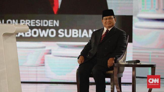 Menjawab kritik Jokowi yang menuduhnya tidak percaya pada TNI, Prabowo mengaku bahwa dirinya telah mempertaruhkan nyawa di TNI.