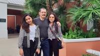 <p>Di akun media sosialnya, Mayangsari sering mengunggah foto keluarga kecilnya. Entah saat wisata di dalam negeri maupun luar negeri. (Foto: Instagram @mayangsaritrihatmodjoreal)</p>