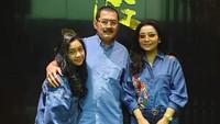 <p>Kehadiran Khirani Siti Hartina Trihatmodjo, putri tunggalnya menjadi pelengkap keluarganya dengan sang suami Bambang Tri Hatmodjo. (Foto: Instagram @mayangsaritrihatmodjoreal)</p>