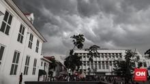Fenomena Awan Cumulonimbus di Ambon, BMKG Minta Warga Waspada