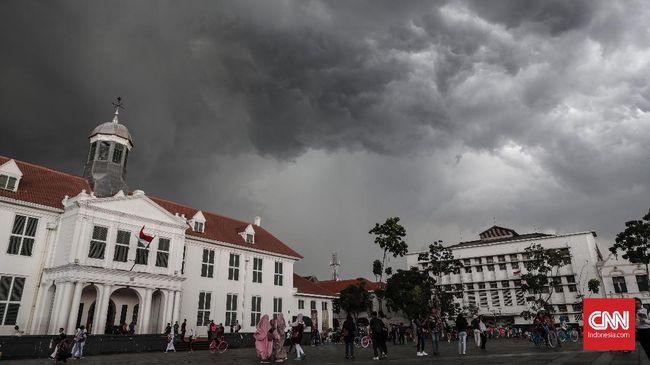 Pemerintah Provinsi (Pemprov) DKI Jakarta melalui Dinas Pariwisata dan Kebudayaan kian gencar memaksimalkan potensi destinasi wisata berbasis kawasan.