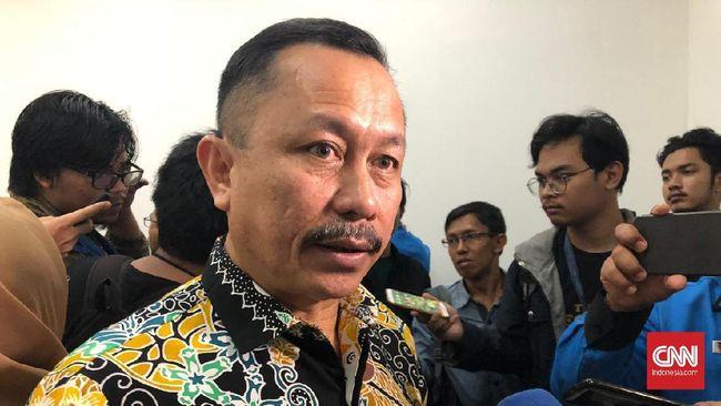Komnas HAM menyarankan Jokowi menjatuhkan denda bagi pelanggar himbauan berkerumun demi mencegah penyebaran virus corona.