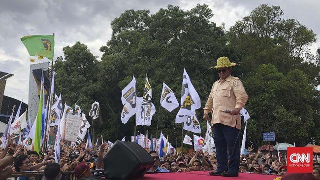 Saat kampanye di Purwokerto, Prabowo Subianto mengatakan masyarakat kerap dianggap bodoh sehingga mudah dibohongi oleh para elite yang berada di Jakarta.