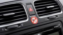 Cara Hilangkan Bau Rokok di Kabin Mobil