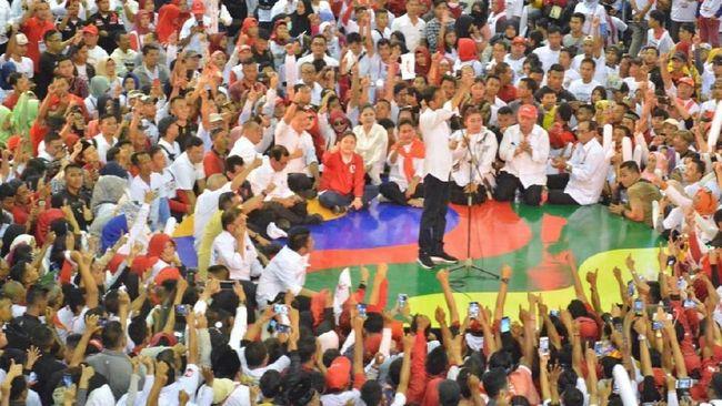 Capres petahana Jokowi meminta pendukung bergerak mengajak warga agar memilih pasangan 01 dan memastikan tetangga tak berbelok pilihan karena termakan hoaks.