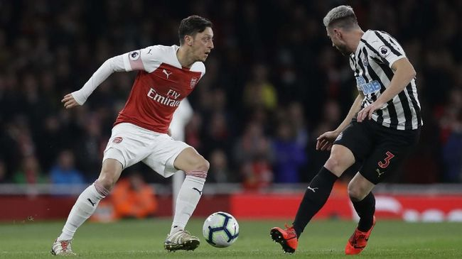 Gelandang asal Jerman, Mesut Ozil, tengah dilanda ketakutan akan dibuang Arsenal setelah tidak lagi masuk dalam rencana manajer Unai Emery di musim ini.