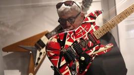 Kisah 'Monster' Frankenstrat Ciptaan Eddie Van Halen
