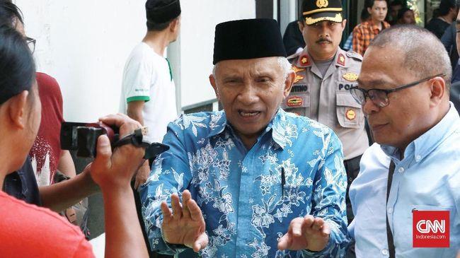 Amien Rais menyatakan siap berada di barisan depan untuk menghadapi 'Perang Total' --istilah yang sempat dilontarkan oleh Wakil ketua TKN Moeldoko.