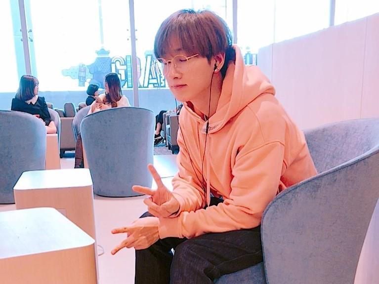 Eunhyuk juga dikenal sebagai member yang rajin bersih-bersin. Hm, sudah tampan, punya banyak talenta, suka kebersihan pula, gimana Insertizen nggak meleleh sama idol satu ini?
