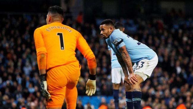 Kalah bersaing dengan Sergio Aguero, Gabriel Jesus disarankan hengkang dari Manchester City demi mendapat lebih banyak kesempatan bermain di tim inti.