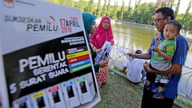 Sosialisasi Pemilu 2019 dilakukan untuk meningkatkan partisipasi pemilih. Sosilisasi dilakukan dari mulai TPS, penjara hingga tempat hiburan malam.