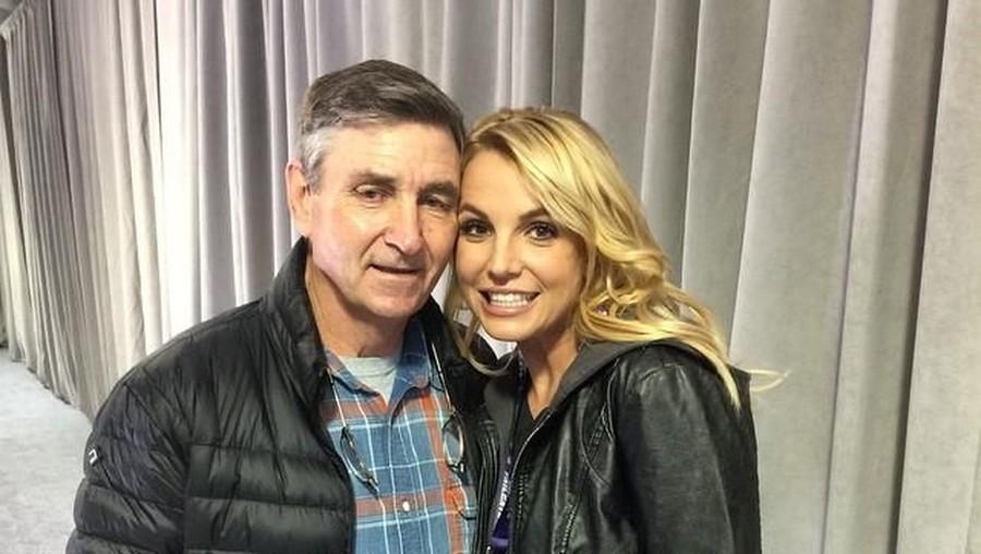Efek Psikis Merawat Ortu Sakit Seperti Dialami Britney Spears