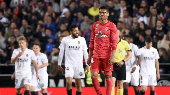 Real Madrid dilaporkan harus melepas Casemiro ke Paris Saint-Germain jika ingin mendapatkan tanda tangan Neymar.