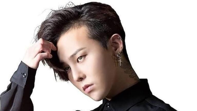 G Dragon. Leader Big Bang ini memiliki hingga 16,3 juta follower di akun pribadi Instagramnya.