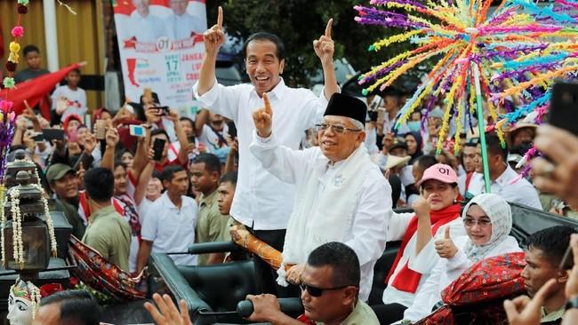 Pasangan capres dan cawapres nomor urut 01, Joko Widodo-Ma'ruf Amin menggelar kampanye terbuka di Tangerang, Banten, Minggu (7/4).